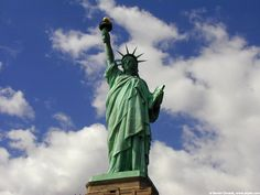 Statue of Liberty in New York City Prayers For America, Women In America, Places Worth Visiting, Prayer For You, I Love Nyc, New York Photos, Famous Landmarks, I Want To Travel, Beautiful World