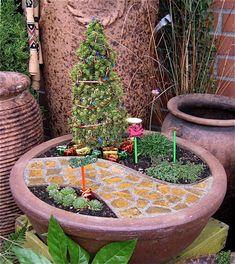 mini garten machen weihnachtsbaum gehweg