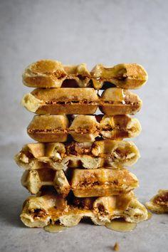 Brioche Waffle Stuffed w / RDC Peanut Brittle & hellip; Cliquez ici pour plus de nourriture photographie !.