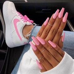 The pink nail art design can highlight the soft and sweet temperament of women.Pink nail art designs can be used in almost all occasions, not unassuming, but without losing grace. Pink Manicure, Aycrlic Nails, Summer Acrylic Nails, Best Acrylic Nails, Summer Nails, Glitter Nails, Pastel Nails, Pink Glitter, Pink Summer