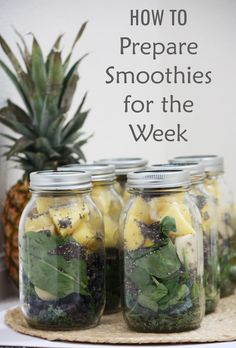 Prep smoothies ahead of time! Easy guide to preparing smoothies for the week! #healthyliving