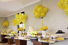 Bella_Fiore_Decoração_festa_abelinha_amarelo_preto Bella_Fiore_Decor_party_bee_yellow_black