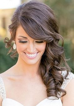 Trendy Wedding Hairstyles Curly To The Side Curls Ideas Medium Hair Styles, Short Hair Styles, Long Hair Wedding Styles, Wedding Hairstyles For Medium Hair, Bridesmaids Hairstyles, Bridesmaid Ponytail, Prom Hairstyles, Hairstyles Pictures, Bridesmaid Hair To The Side