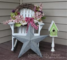 Pedestal Birdhouse and wreath for spring decor