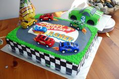 Hot Wheels Cake | Hot wheels themed cake with individual racecar smash cake for…