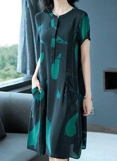 Latest fashion trends in women's Dresses. Shop online for fashionable ladies' Dresses at Floryday - your favourite high street store. Casual Dress Outfits, Casual Summer Dresses, Stylish Dresses, Elegant Dresses, Dresses For Work, Hijab Fashion, Fashion Dresses, Plus Size Womens Clothing, Clothes For Women