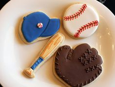 Baseball cookies, wrap individually with team color bow Cute Cookies, Cupcake Cookies, Sugar Cookies, Iced Cookies, Baseball Theme Birthday, Baseball Party, Baseball Banner, Baseball Signs, Baseball Quotes