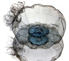 Artful Jellyfish-like Bowls From Upcycled Plastic PET Bottles - Bowls artísticos reciclados de botellas plásticas