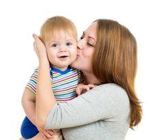 Los bebés poco a poco van desarrollándose y en poco tiempo ya no son tan bebés, pueden moverse solos, interactúan con nosotros y con otras personas y comienzan a realizar conductas intencionadas, c...