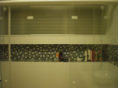 banheiro: nicho com janela nicho com pastilhas