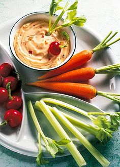 Magerquark-Rezepte zum Abnehmen: Fitness-Teller mit Quarkdip