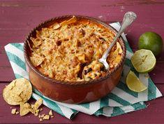 Meksikolainen papupaistos Food N, Food And Drink, Sauerkraut, Marzipan, Tex Mex, Bruschetta, Cheddar, Guacamole, Feta