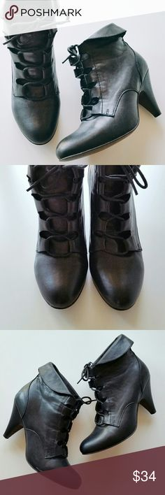 """ALDO Black Lace Up Leather Ankle Boots / Booties ALDO Black Lace Up Leather Ankle Boots / Booties  *Size EUR 39 (US 8)  *3.25"""" heels  *Leather Upper and Man made soles  *In great pre-loved condition. Light signs of wear. There's one scratch on shoe. Please check out the last photo. *No trade Aldo Shoes Ankle Boots & Booties"""