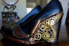 I would never pull these off, but they are awesome. Also, my hubby loves steampunk, so. bonus points for wife for liking these. The ultimate in steampunk wedding footwear? Costume Steampunk, Steampunk Shoes, Mode Steampunk, Steampunk Wedding, Steampunk Fashion, Steampunk Festival, Crazy High Heels, Crazy Shoes, Me Too Shoes