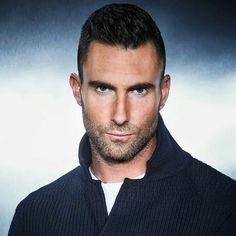 Adam Levine. .. 💚👍👍🎤🎤🎤