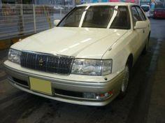 トヨタ クラウン 3.0 ロイヤルサルーン(パール)本体価格19.8万円
