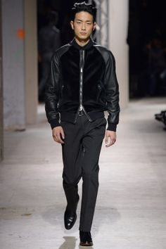 Hermès Fall/Winter 2014 from Paris Fashion Week Men's Fashion, Fashion Week, Leather Fashion, Fashion Show, Paris Fashion, High Fashion, Gq, Vogue Paris, Balmain