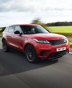 #hypercar #motorcycle #motor #luxurycar #luxury  #motorcycles #motorsport #motors #landrover #landrovervelar #velar #coche #4x4 #altagama #myluxepoint #new #car #vehicle #vehiculo #cochelujo #lujo #rojo #gris #Range #Rover