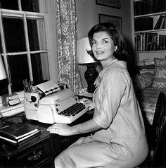 Jacqueline Lee Bouvier Kennedy.