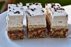 Prajitura Parlament Romanian Desserts, Romanian Food, Cookie Desserts, Cookie Recipes, Nutella, Sweet Cakes, Love Cake, Sweets Recipes, Food To Make
