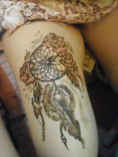Henna and more.... dreamcatcher.....