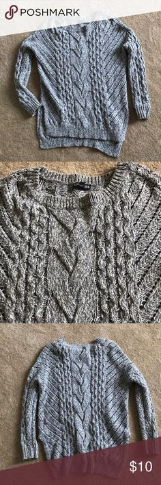 Gray Express sweater Knit gray sweater from express. Express Sweaters Crew & Scoop Necks