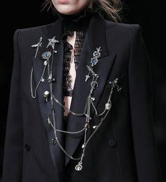 Fashion Week de Londres: les bijoux des défilés automne-hiver 2016-2017