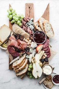 cheese board charcuterie for your grazing table. Check out our Savory Recipes board for our favorite food photography, dinner ideas & healthy vegetarian dishes. table 20 Charcuterie Boards That Are Party Goals - An Unblurred Lady Charcuterie And Cheese Board, Cheese Boards, Charcuterie Spread, Picnic Dinner, Meat And Cheese, Cheese Food, Cheese Fruit, Cheese Trays, Wine Cheese