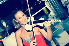 Elsa lovely violinist play at Les Terrasses de Genève . Super and glamour party.#violin #elsa #electricviolinist#dance #dj #cantini #white #house #music