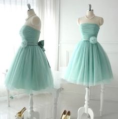 Sweet A-line Strapless Knee Length Tulle Homecoming Dresses With Handmade Flower