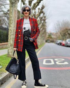 Carmen Gimeno (@carmen_gimeno) • Fotos y vídeos de Instagram Tartan, Suits, Chic, Instagram, Trends, Style, Fashion, Shabby Chic, Swag