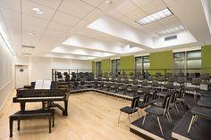 خبرگزاری دانشجویان ایران-ایسنا Choir Room, Kindergarten Design, Classroom Training, Music Ed, Home Theater Rooms, Class Design, Music School, Music Classroom, Music Theory