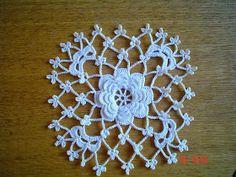 Ravelry: Rosette surrounded by a squareshaped ground pattern by Thérèse de Dillmont Free pattern Love it!Old Irish crochet rose motif Filet Crochet, Crochet Motifs, Crochet Blocks, Crochet Squares, Thread Crochet, Crochet Doilies, Crochet Flowers, Crochet Stitches, Freeform Crochet