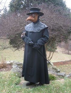 Got a brand new doctor coat this Christmas bonfire. Happy New Year, doctors! Plague Doctor Halloween Costume, Punny Halloween Costumes, Plauge Doctor, Doctor Coat, Bird Masks, Creative Writing, Occult, The Cure, Weird