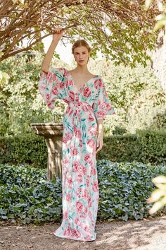 Under the Tuscan sun Fashion 2018, Look Fashion, Runway Fashion, Girl Fashion, Fashion Trends, Fabulous Dresses, Beautiful Gowns, Nice Dresses, Bodas Boho Chic