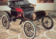 The 1901 Curved Dash Oldsmobile. First car to have a  speedometer