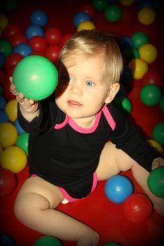 Babyrompers, diverse kleuren en varianten www.bellabambini.eu