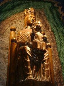 Puntadas divinas: Nuestra Señora de la Clandestinidad de Chartres