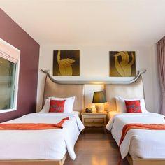 Thai artistic themed hotel Bangkok. www.navalai.com #Navalai #navalairiverresort #navalaihotel #navalairesort #aquatinirestaurant #accommodation #artistic #awardwinner #thailand #travel #bangkok #bangkoksunset #boutiquehotel #riverside #riversideresort #resort