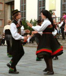 Pretty Norwegian dance  music ♡