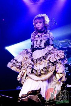 Hizaki ♥ Versailles ♥ Guitar and a boy who really likes dressing like a girl.
