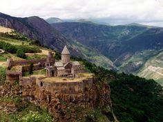 самые древние храмы армении | ... панорамы монастыря Татев в Армении