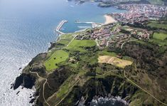 Luanco, Asturias  precioso pueblo costero, ideal parada entre pueblos o para ir a la playa o comer  TIPO ACTIVIDAD: excursión / cultural