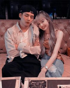 K Pop, Bts Girlfriends, Black Pink Kpop, Kpop Couples, My Future Boyfriend, Blackpink And Bts, Blackpink Lisa, Couple Goals, Taehyung
