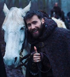 The best stunt horse ever! The mare of the ball. Lagertha, Uhtred Of Bebbanburg, Face Treatment, David Tennant, Period Dramas, Book Characters, Gorgeous Men, Pretty People, Sexy Men