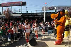 R-Phils Mascot Band and Dance team