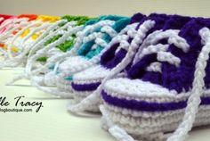 Crochet Baby Shoes Free Pattern Crocodile Stitch New Ideas Crochet Converse, Crochet Baby Booties, Crochet Slippers, Converse Slippers, Baby Slippers, Converse Shoes, Baby Converse, Converse High, Boy Shoes