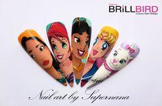 Pocahontas, Ariel, Jasmine, Sailormoon, et Marie