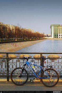 Cu bicicleta prin Bucuresti - 2: Centrul Istoric - Parcul Carol I - Tineretului - Unirii . Cycling In Bucharest - 2 - Historical Center - Carol I Park - Tineretului - Unirii Square