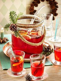Aromatischer Punsch für einen gemütlichen Weihnachtsnachmittag mit lieben Gästen.